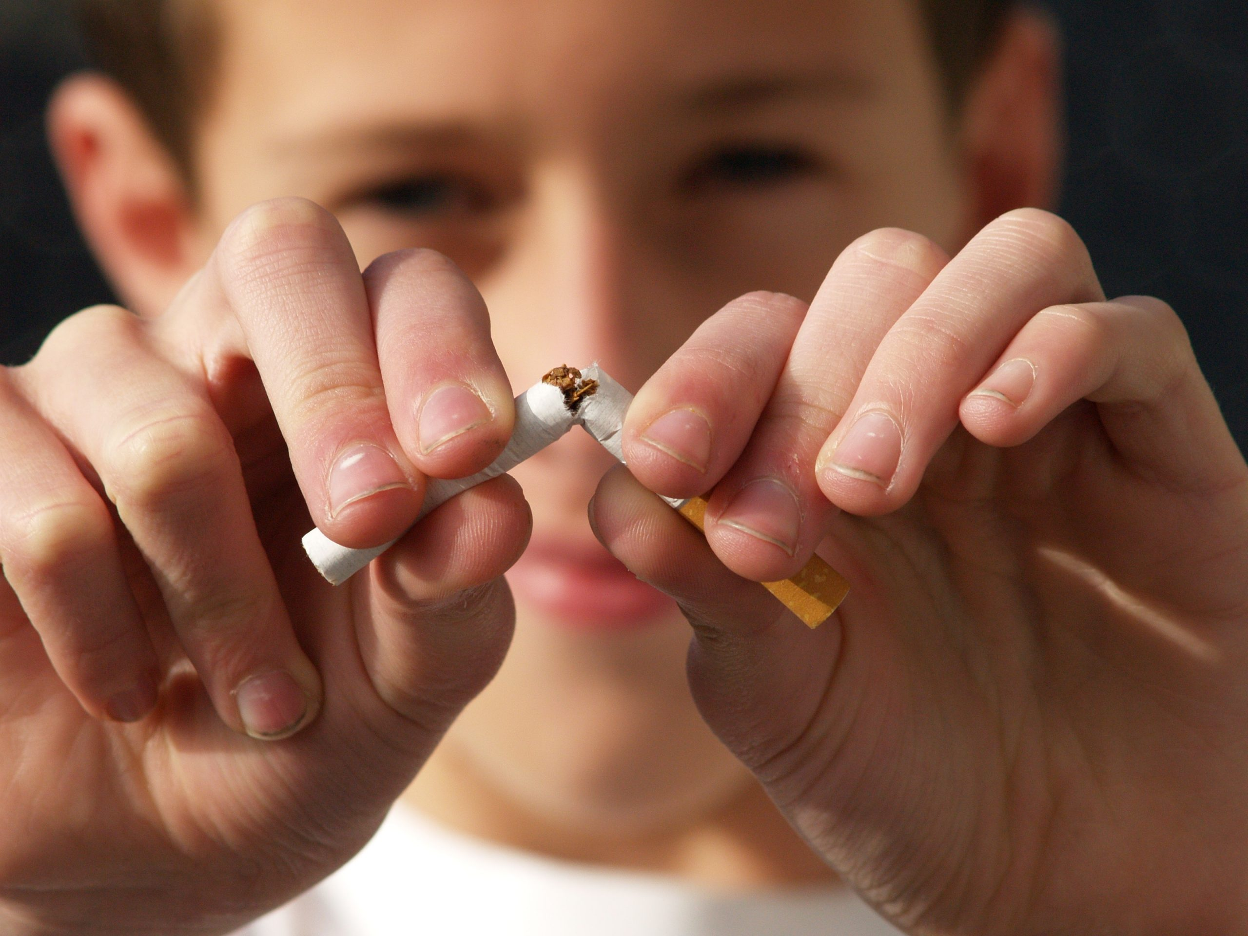 Newnan Dentist | Tobacco & Your Teeth: The Risks of Chewing and Smoking